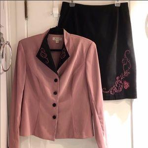 JESSICA (12) Fuschia Flowers on Rose/Black Suit!!!